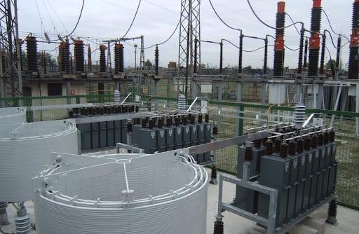 Installation de batterie de condensateurs sur un site industriel